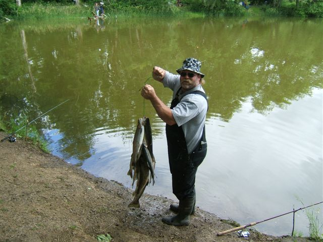 What kind of fishing can you do on or near the lake for How to fish for crappie from the bank