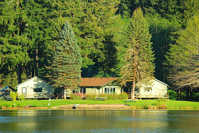 Fishhawk Lake Clubhouse  (1/6)