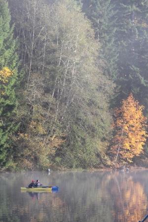 Autumn kayaking on Fishhawk Lake